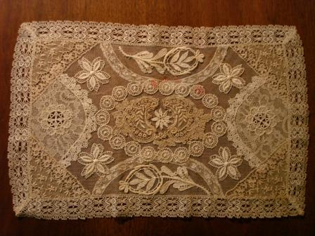 Lace Tablemat - Flower pattern
